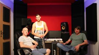 Black Block Sound bastelt an eigenem Tonstudio