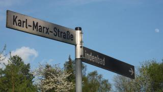 Karl Marx lebt in den Straßen des Nordostens weiter