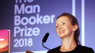 Nordirin Anna Burns gewinnt Man Booker Prize