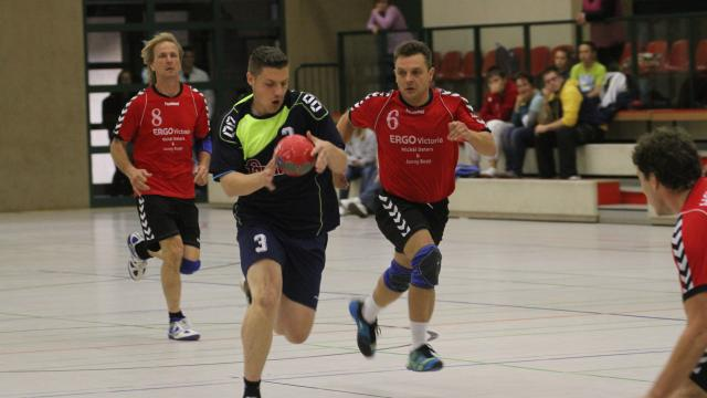 Teterows Benjamin Kalien (am Ball) im Sprint.