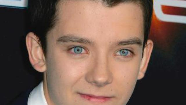 Asa Butterfield in Sci-Fi-Drama «Out of This World»