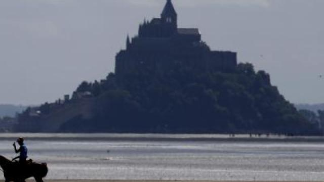 Naturschauspiel: Supertide am Mont-Saint-Michel