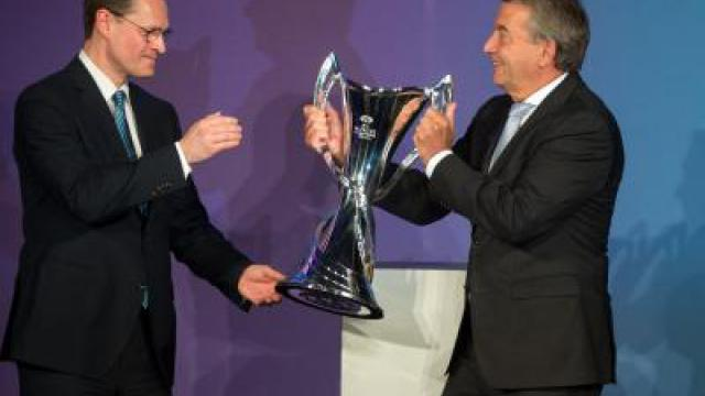 Champions-League-Cup in Berlin: Trophäe im Rathaus
