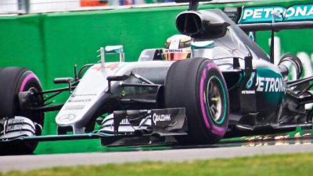 Hamilton holt sich Pole in Montreal vor Rosberg