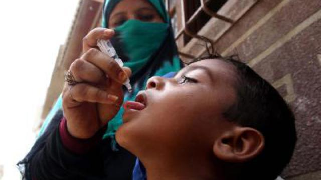 Polio-Impfaktion in Pakistan für 37 Millionen Kinder